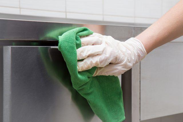 Como fazer a limpeza correta de peças inox?